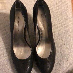 Black Leather Anne Klein Heels. Great condition.